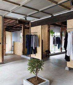 White-painted walls and plywood panels contrast with the existing wooden interior of this vintage clothing store in Saitama city, which was recently renovated by local designer Manabu Okano Clothing Store Design, Vintage Clothing Stores, Diy Clothing, Store Plan, Retail Concepts, Japanese House, Japanese Taste, Japanese Shop, Retail Space