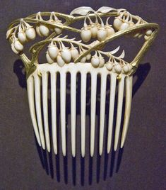 The Closet Historian: Hair Comb History Highlight #6: Rene Lalique Gold, ivory, c. 1900