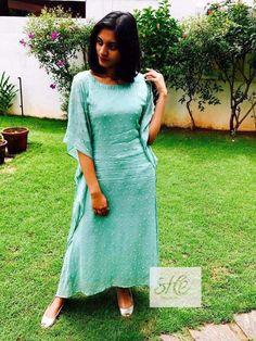Simple Kurta Designs, Kurta Designs Women, Stylish Dresses, Fashion Dresses, Fashion Wear, Fasion, Western Dresses, Indian Dresses, Gown Party Wear