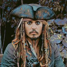 Jack Sparrow Funny, Jack Sparrow Quotes, Captain Jack Sparrow, Johnny Depp Quotes, Johnny Depp Pictures, Johnny Depp Movies, Film Disney, Pirate Life, Hot Actors