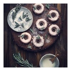 Holiday dessert recipes to get you in the spirit: Orange Glazed Donuts With Sugared Rosemary Best Gluten Free Desserts, Healthy Desserts, Just Desserts, Dessert Recipes, Breakfast Bread Recipes, Cupcakes, Donut Glaze, Christmas Desserts, Xmas Food