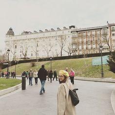 Después de visitar el MUSEO DEL PRADO, uno de mis lugares favoritos en Madrid. Esta ciudad ha sido testigo de tantos momentos especiales e importantes en mi vida, que me genera mucha nostalgia tener que continuar y no poder pasar más tiempo por aquí. Gracias a la vida que nos sigue regalando días como este. Gracias a la vida porque vamos vivos y hay cosas realmente maravillosas en este mundo. El arte es una de ellas. ❤️🙏🏻❤️ #lafourcadecdmxeuropa @promocioncdmx