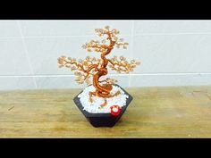 How To Make Bonsai Tree Wire Copper wire tree wire leafs wire_leafs flowerpot Miniature Trees, Miniature Crafts, Jewelry Tree, Wire Jewelry, Bonsai Wire, Wire Tree Sculpture, Wire Trees, Wire Crafts, Wire Art