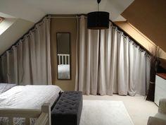 1000 images about placard chambre sous comble on pinterest dressing schmi - Dressing avec rideau ...