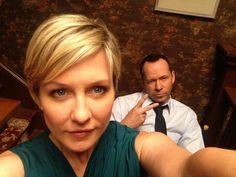 Love Amy Carlson's hair (played Linda Reagan, Danny's wife on Blue Bloo… - Modern Amy Carlson, Blood Photos, Have A Great Friday, Donnie Wahlberg, Jordan Knight, Playing With Hair, Blue Bloods, Family Affair, Love Blue