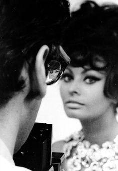 Sophia Loren, porte, elegancia, belleza, talento, gracia. ¿Qué más podemos pedir?