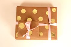 #Wedding Shower Wrapping Ideas - #Kraft and Gold