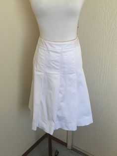 Lilly Pulitzer Size 10 White Cotton Stretch Solid Pleated Knee Length Skirt #LillyPulitzer #Pleated