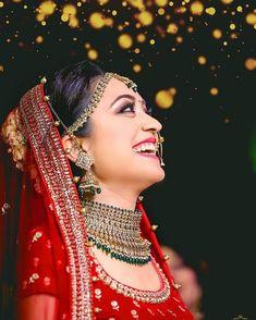 Indian Wedding Poses, Indian Wedding Couple Photography, Indian Bridal Photos, Wedding Couple Poses, Bride Photography, Wedding Posing, Indian Photography, Wedding Wear, Wedding Shoot