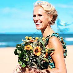 What a beautiful sunny bride!   #wedding #weddingvideo #weddingvideographer #stickymoon #sticky moon #den haag #denhaag  #Bruiloftvideo #bruiloftvideograaf #still #film