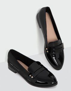 Loafer com detalhe de tachas - Sapatos - Novidades - Mulher - PULL&BEAR Portugal