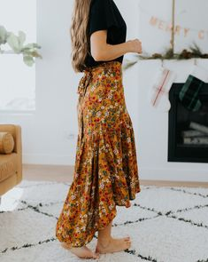 Floral maxi skirt - - Floral maxi skirt Source by Modest Dresses, Modest Outfits, Modest Fashion, Cute Outfits, Fashion Outfits, Modest Clothing, Modest Apparel, Outfits With Maxi Skirts, Maxi Skirt Outfit Summer
