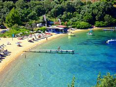 Kanapitsa beach, Skiathos, Greece Skiathos Beaches, Greece Art, Holiday Pictures, Greece Travel, Greek Islands, Holiday Destinations, Places To Go, Beautiful Places, Travelling
