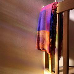Ochtendzon op de overloop, met het licht door het glasinloodraam. #synchroonkijken  #dag1 #licht