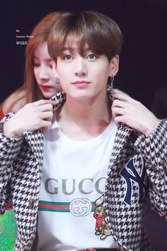 Jungkook very handsome and he was very beautiful voice and smile and eyes. Foto Jungkook, Jungkook Jeon, Kookie Bts, Jungkook Oppa, Kim Namjoon, Foto Bts, Bts Bangtan Boy, Bts Boys, Jungkook 2018
