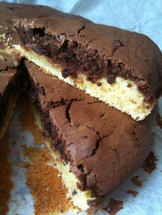 Buon giorno, buon lunedì Bimbyni e Bimbyne!!! :D Torta di fine ottobre :D Provate questa ricetta e ditemi se vi piace!!! :D http://www.bimby-ricette.it/2015/10/con-e-senza-bimby-torta-due-colori-con.html