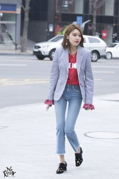 SooYoung❤️ Snsd Airport Fashion, Snsd Fashion, All Fashion, Korean Fashion, Sooyoung Snsd, Kpop Outfits, Casual Street Style, Girls Generation, Pretty Outfits