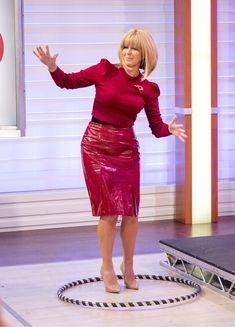 Kate Garraway in red patent leather skirt Kate Galloway, Tv Girls, Wedding Dress With Pockets, Sexy Latex, Voluptuous Women, Sexy Older Women, Sexy Skirt, Young Models, Leather