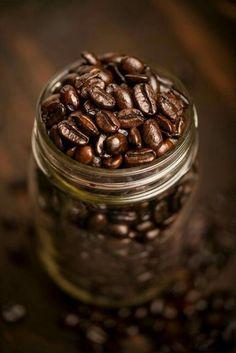 IvyRio — IvyCorrêa. Espresso Coffee, Coffee Love, Coffee Art, Coffee Break, Best Coffee, Black Coffee, Mini Desserts, Plated Desserts, Coffee Photography