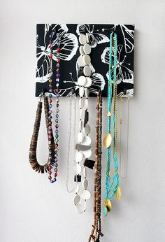 Naturel linen jewelry organiser.Wall organiser.Jewellery