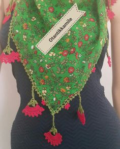 Love Crochet, Crochet Baby, Hairstyle Trends, Hand Embroidery, Embroidery Designs, Crochet Triangle, Moda Emo, Crochet Scarves, Crochet Necklace