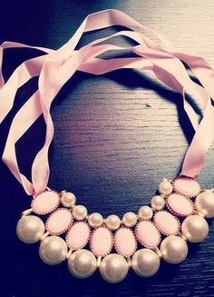 Kupuj mé předměty na #vinted http://www.vinted.cz/doplnky/nahrdelniky-koralky-a-privesky/9352015-nadherny-perlickovy-a-kaminkovy-nahrdelnik