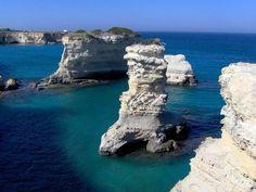 A Reserva Natural Marinha Torre Guaceto é uma área marinha protegida de Puglia, criada em 1991 e localizada na costa do Adriático. É classificada como Zona de Proteção Especial de Interesse Mediterrâneo. Encanta com suas praias de areia branca. Puglia, Itália. Fotografia: TripAdvisor.