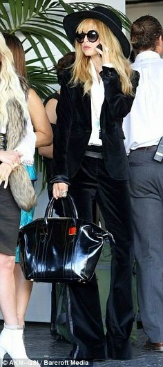 90 Best Rachel Zoe Style Inspirations For Modern Women Suit Fashion, Love Fashion, Womens Fashion, Rachel Zoe, How To Have Style, My Style, Maxis, Black Velvet Suit, White Outfits For Women