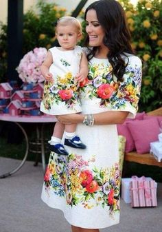 white floral dress matching looks for mom and daughter