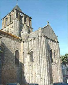 Eglise Notre-Dame et Saint Junien de Lusignan, Poitou