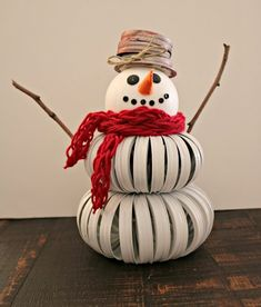 Awesome mason jar projects are readily available on our web pages. Take a look and you wont be sorry you did. Snowman Crafts, Christmas Projects, Holiday Crafts, Christmas Crafts, Christmas Snowman, Christmas Decorations, Christmas Things, Snowman Ornaments, Homemade Christmas