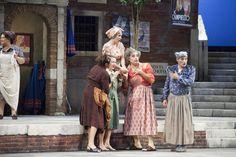 Le donne de Il Campiello all'inizio del II atto © Simone Donati / TerraProject / Contrasto