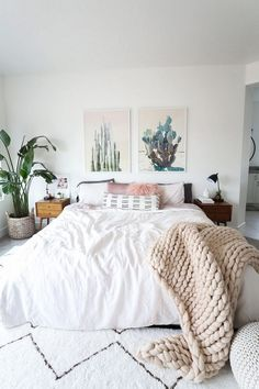 Fabulous Tips and Tricks: Minimalist Decor Interior Design Spaces chic minimalist decor living rooms.Vintage Minimalist Decor Living Room minimalist home with kids floor plans.How To Have A Minimalist Home Interior Design. Boho Chic Bedroom, Cozy Bedroom, Home Decor Bedroom, Modern Bedroom, Bedroom Inspo, Bedroom Furniture, Contemporary Bedroom, Pretty Bedroom, Bedroom Bed