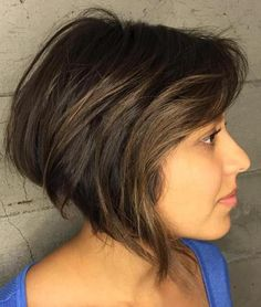 30 Popular Short Haircuts For Round Faces 2019 - Page 6 of 30 - Hairstyles Ideas. 30 Popular Short Haircuts For Round Faces 2019 – Page 6 of 30 – Hairstyles Ideas – Round Face Hairstyles Long, Bob Haircut For Round Face, Short Hair Cuts For Round Faces, Bob Hairstyles For Thick, Trendy Hairstyles, Blonde Bob With Bangs, Short Hair With Bangs, Thick Hair, Popular Short Haircuts