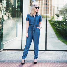 Calça e blusa que mais parecem um macacão, né? Peças @damyller daquele jeans molinho e super confortável #ootd #meujeasdamyller #denim | publi