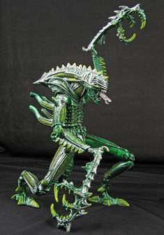Custom MANTIS ALIEN action figure by Jin Saotome. www.howtohobbyist.com