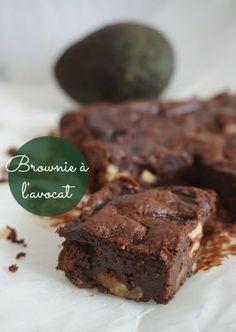 Une recette de brownie... à l'avocat! Imperceptible au goût, mais qui le rend presque régime , n'hésitez pas à le tester c'est délicieux :)