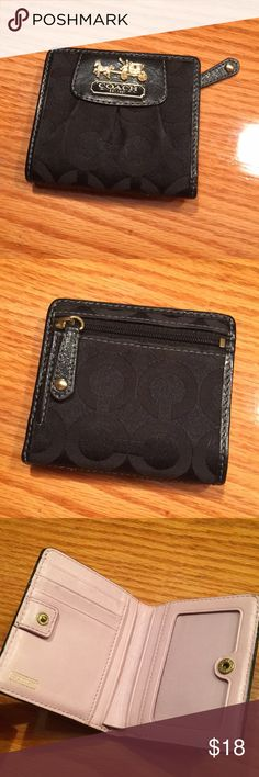 c27a113f2a305 Coach Mini Wallet Coach mini wallet that I bought from someone else. Don t