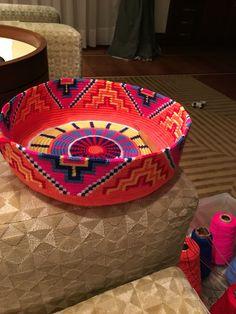 Mochila wayuu bag in progress! Tapestry Crochet Patterns, Crochet Quilt, Crochet Home, Diy Crochet, Crochet Crafts, Knitting Projects, Crochet Projects, Crotchet Bags, Mochila Crochet