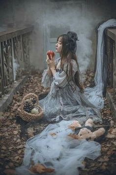 Image about fantasy in Dreamscapes~️ by Sunshyne (TAG) Princess Aesthetic, Aesthetic Girl, Fantasy Photography, Girl Photography, Images Lindas, Mode Sombre, Double Exposition, China Girl, Fantasy Dress