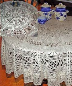 ::ArtManuais- Tecnicas de Artesanato | Moldes para Artesanato | Passo a Passo:: Crochet Table Topper, Crochet Tablecloth Pattern, Crochet Doily Patterns, Crochet Diagram, Baby Knitting Patterns, Crochet Doilies, Mantel Redondo A Crochet, Chrochet, Knit Crochet