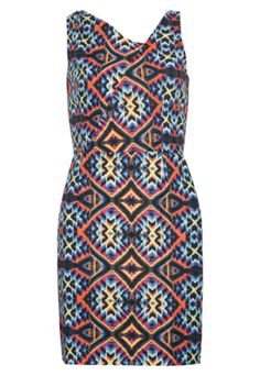 [ ethnic dress ]