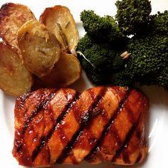 Grilled teriyaki salmon with broccoli and rosmary potato