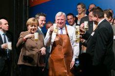Angela Merkel | Volker Bouffier | Fassbieranstich Politischer Aschermittwoch CDU Volkmarsen | Fotograf Kassel | Karsten Socher Fotografie http://blog.ks-fotografie.net/pressefotografie/angela-merkel-volker-bouffier-kwhe16-volkmarsen/