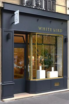 EBO_enbandeorganisee_en bande organisée_WHITE bIRD Jewelry shop - Interior design Paris - in collaboration with Johanna