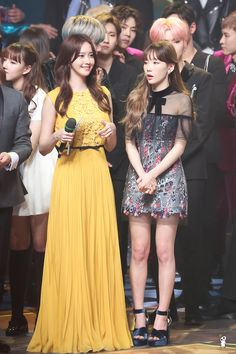 --Girls' Generation Yoona and Taeyeon-- Sooyoung, Yoona Snsd, Snsd Fashion, Korean Fashion, Girl Fashion, Fashion Outfits, Yuri, Velvet Fashion, Korean Actresses
