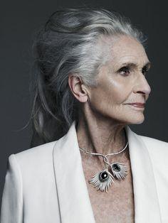 Daphne Selfe, la modelo cuya carrera despegó cuando cumplió 70. Fuente: Smoda.elpais.com
