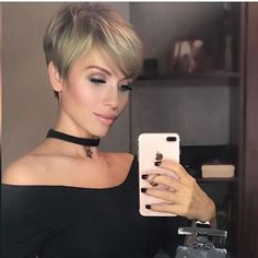 Blonde-Pixie-Cut Best New Pixie Haircuts for Women Pixie Cut With Bangs, Blonde Pixie Cuts, Short Hair Cuts, Short Hair Styles, Short Pixie Haircuts, Short Hairstyles For Women, Straight Hairstyles, Layered Hairstyles, Latest Hairstyles