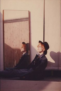 hang him on my wall David Bowie  sitting on fllor mirror reflection  site blog dedicated to David Bowie hang him on my wall tumblr  http://hanghimonmywall.tumblr.com/post/23471212307/young-americans