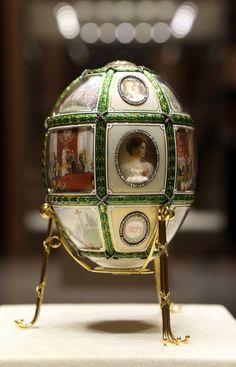 Jaja carskie (inaczej jajka Fabergé, od nazwiska złotnika Petera Carla Fabergé) to niezwykle precyzyjne filigranowe dzieła sztuki złotniczej z czasów Aleksandra III Romanowa.